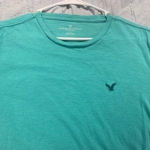 American Eagle cyan blue t-shirt